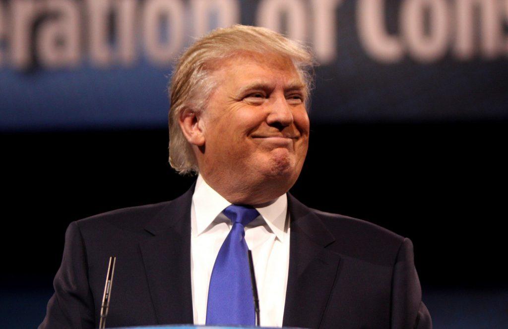 Дональд Трамп пообещал фармкомпаниям ускорить вывод на рынок ЛС