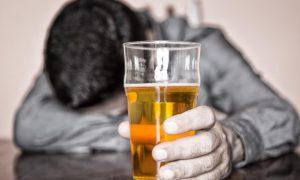 Алкоголь повышает риск возникновения рака ротовой полости