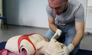 Учителя начали проходить курсы первой помощи в московской 5D-клинике
