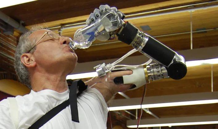 В США пройдут КИ инновационного протеза руки