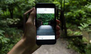 Злоупотребление соцсетями ведет к социальной изоляции