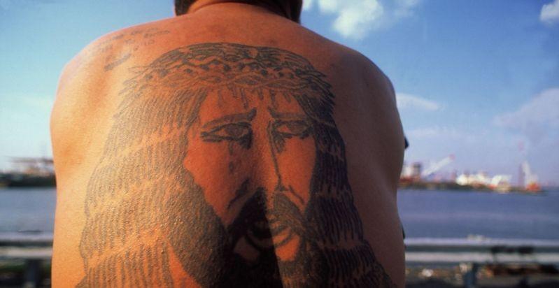 Татуировки повышают риск теплового удара