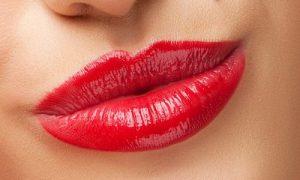 Распространенные заблуждения про татуаж губ