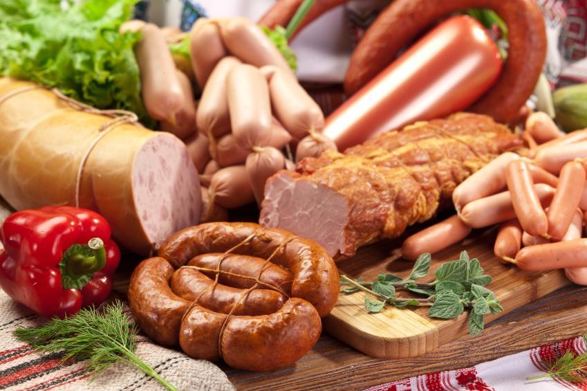 Колбасы и сосиски повышают риск возникновения болезней сердца