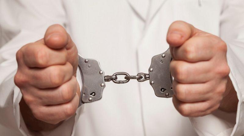 Британский хирург осужден за проведение ненужных онкологических операций