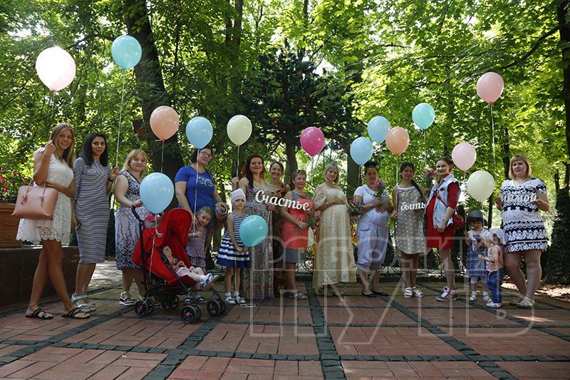В Смоленске устроили праздник для будущих мам