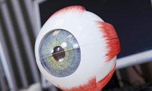 В Германии созданы безвредные для глаз контактные линзы