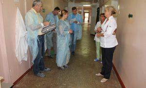 Смоленские активисты ОНФ выявили системные недостатки при проверке поликлиники в поселке Верхнеднепровский