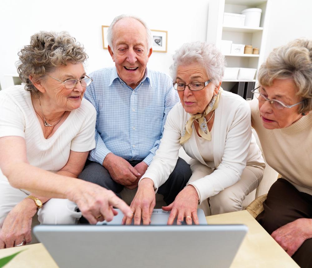 В Смоленске объявлен набор на компьютерные курсы для пенсионеров