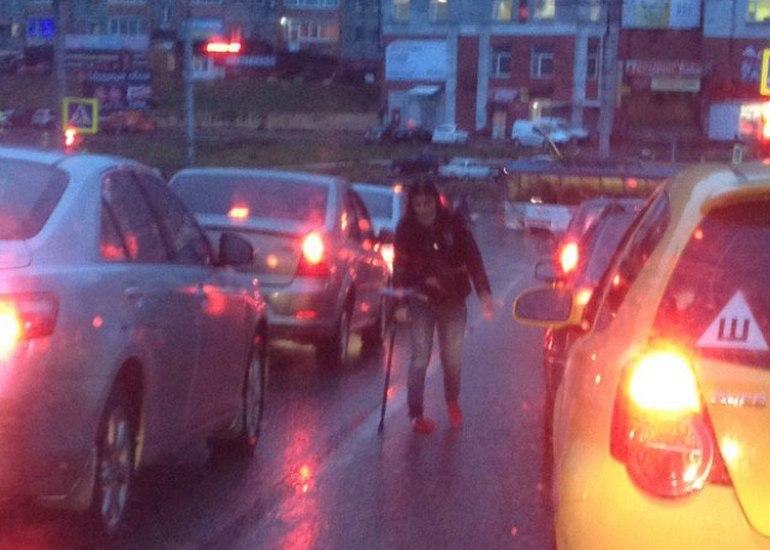 Смоляне пожаловались на инвалидов, побирающихся на проезжей части