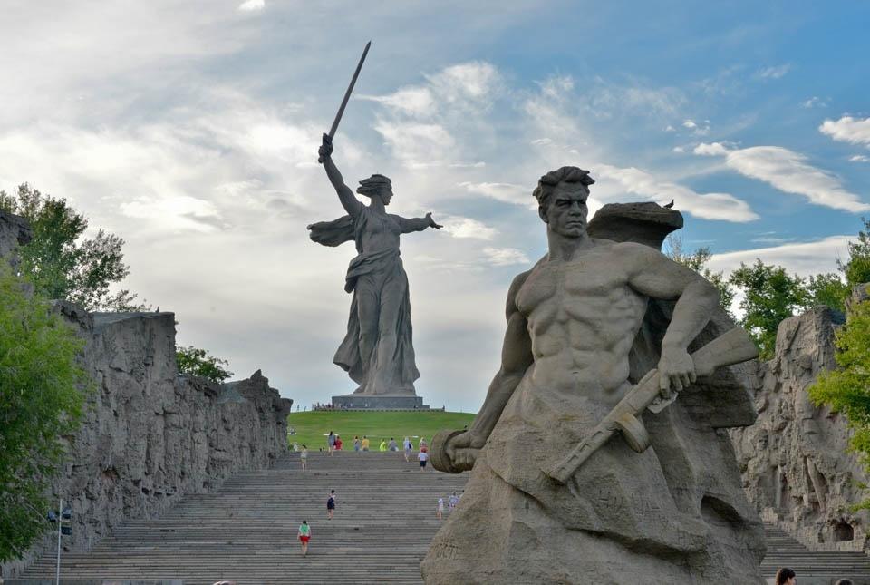 Мамаев курган — великий военный мемориал