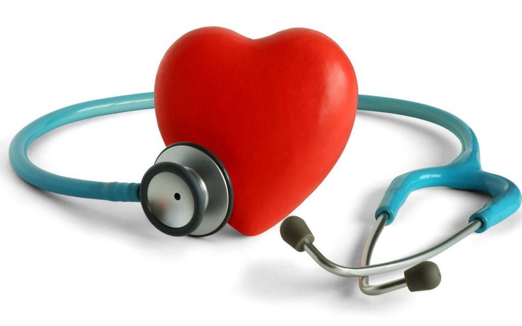Ранние признаки и первая помощь при сердечном приступе (инфаркте миокарда)