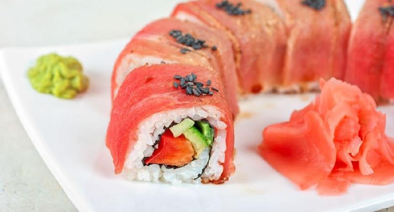 В Смоленской области ребенка хотели накормить суши из тухлой рыбы