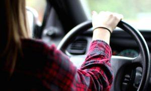 В аварии в Смоленской области пострадала 28-летняя автоледи