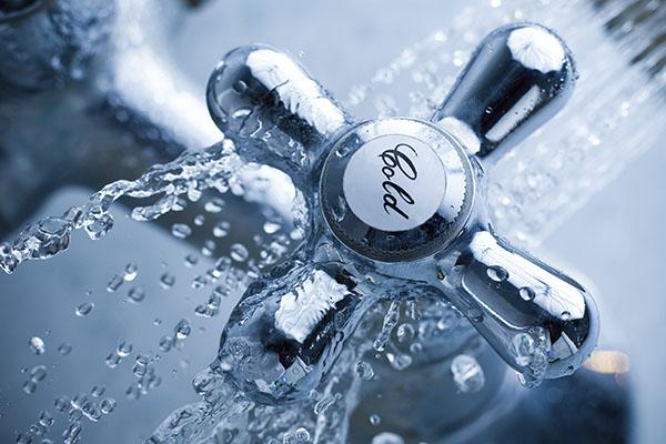 У кого из смолян отключат воду 14 февраля