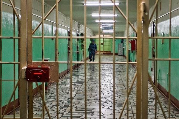 Мужчина, чей труп обнаружили в смоленском СИЗО, был осужден за изнасилование