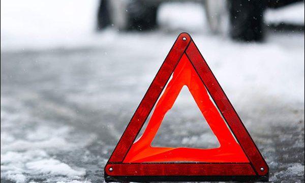 В Смоленске столкнулись две иномарки: три человека пострадали