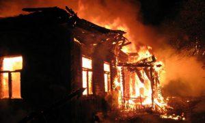 Пострадавшего при пожаре смолянина госпитализировали в больницу