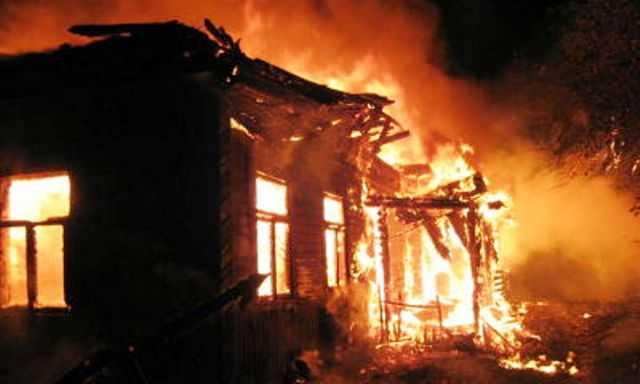 В Смоленской области при пожаре в жилом доме пострадал мужчина