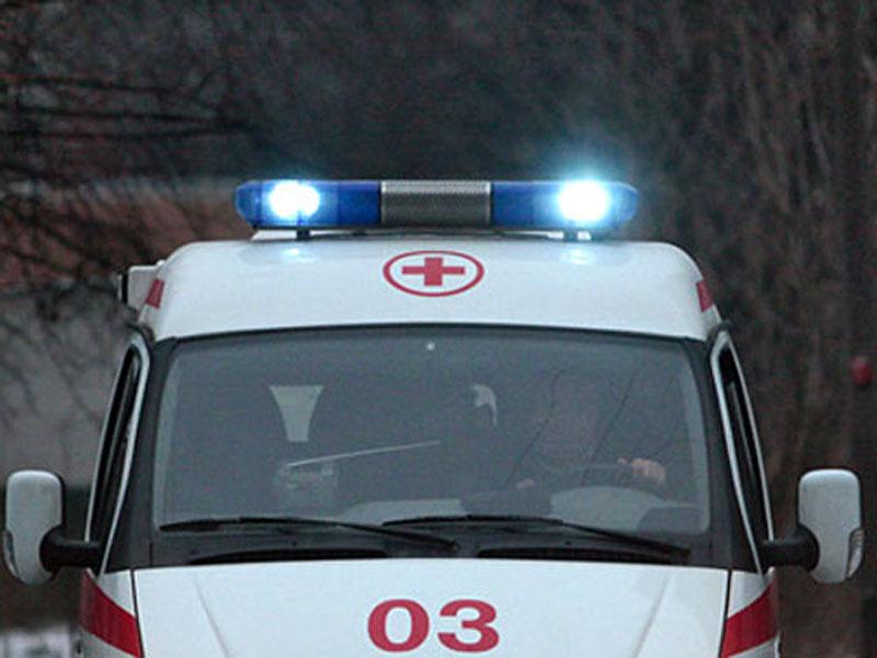 В Смоленском районе иномарка опрокинулась в кювет: три человека пострадали