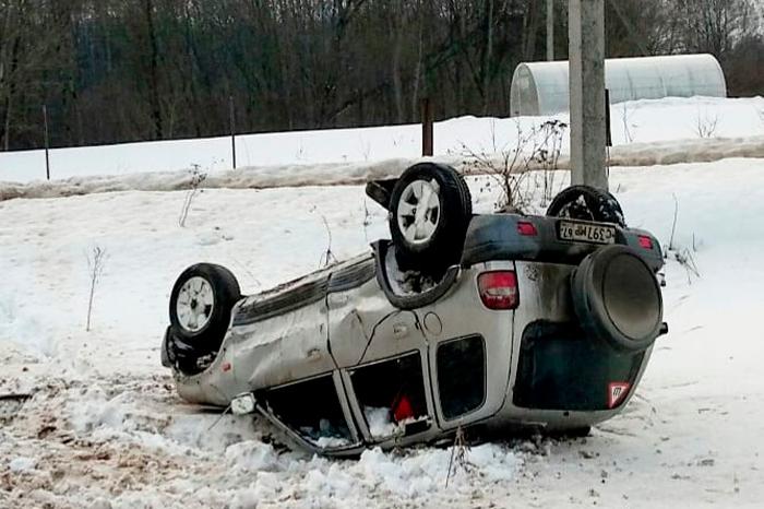 В Смоленске водитель после неадекватной езды оказался в кювете
