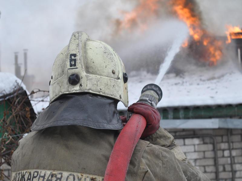 В Смоленске в пожаре в частном доме пострадал молодой мужчина