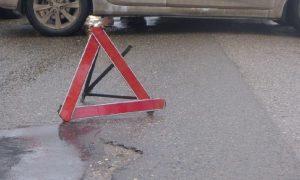 В Смоленске на тротуаре иномарка сбила мужчину