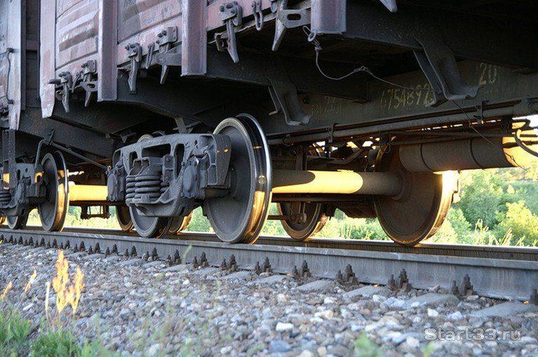 В Смоленске мужчина попал под грузовой поезд