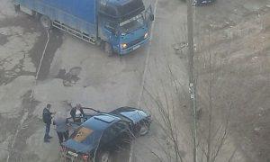 Монтировка, кровь… В Смоленске водители устроили жесткую разборку