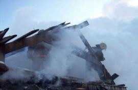 В Смоленской области пожарные спасли из горящего дома мать с сыном