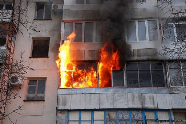 В Смоленске из горящего дома спасли 10 человек