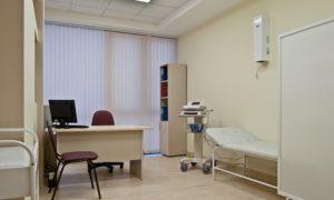 В Смоленске в кабинете врача скончалась женщина