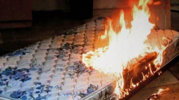 «Загорелся матрац». Смолянин погиб при пожаре в пятиэтажке