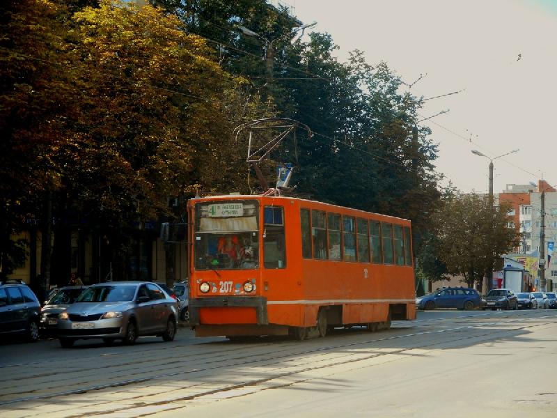 В Смоленске в трамвае стало плохо пожилому мужчине