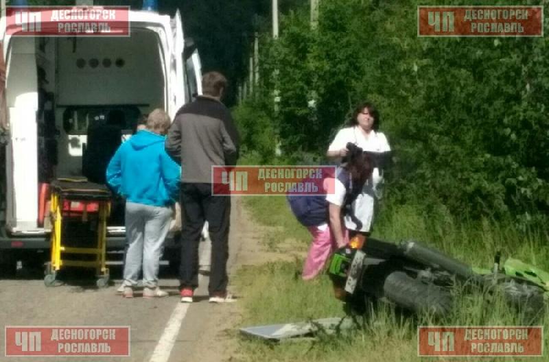 «Неудачно обогнал». В Смоленской области в ДТП пострадал мотоциклист