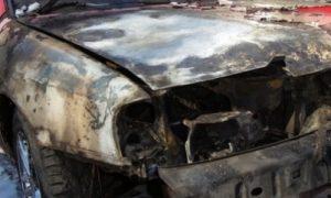 «Водитель успел выскочить». В Смоленске на дороге вспыхнул автомобиль