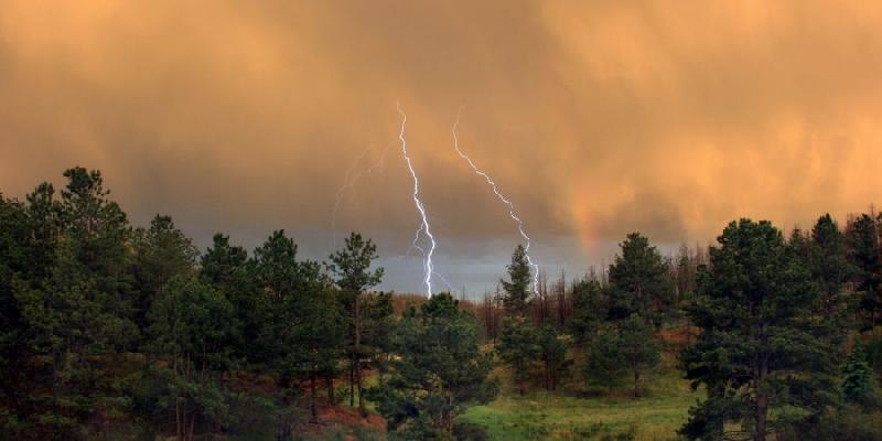 В Смоленске объявлен «желтый» уровень опасности на 19 июня
