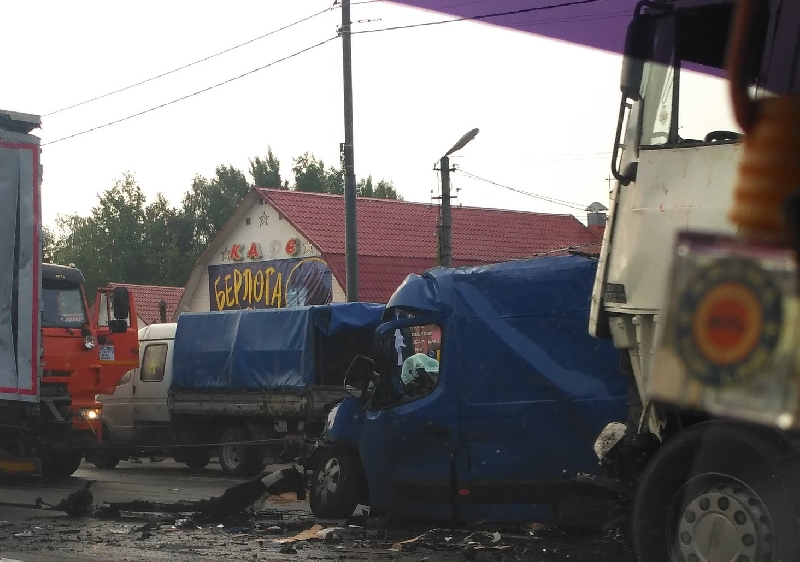 Стали известны личности погибших в ДТП на трассе М1 в Смоленской области