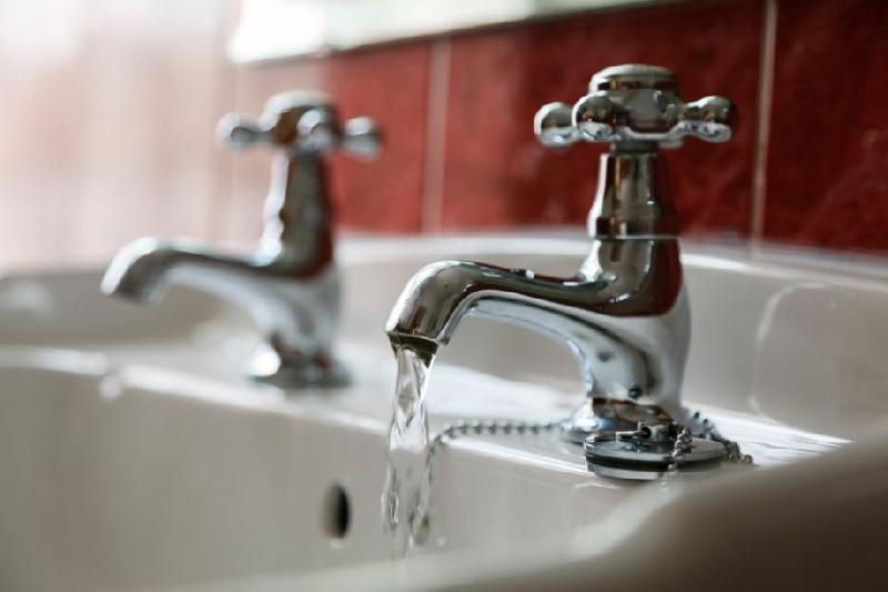 «Обещают за две недели все сделать». В Смоленске жители пяти улиц остались без горячей воды