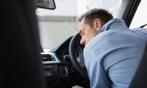 В Смоленске спасли водителя, который потерял сознание за рулем