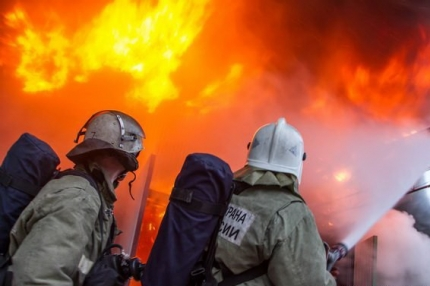 Крупный пожар произошел на пилораме в Смоленской области: серьезно пострадал работник