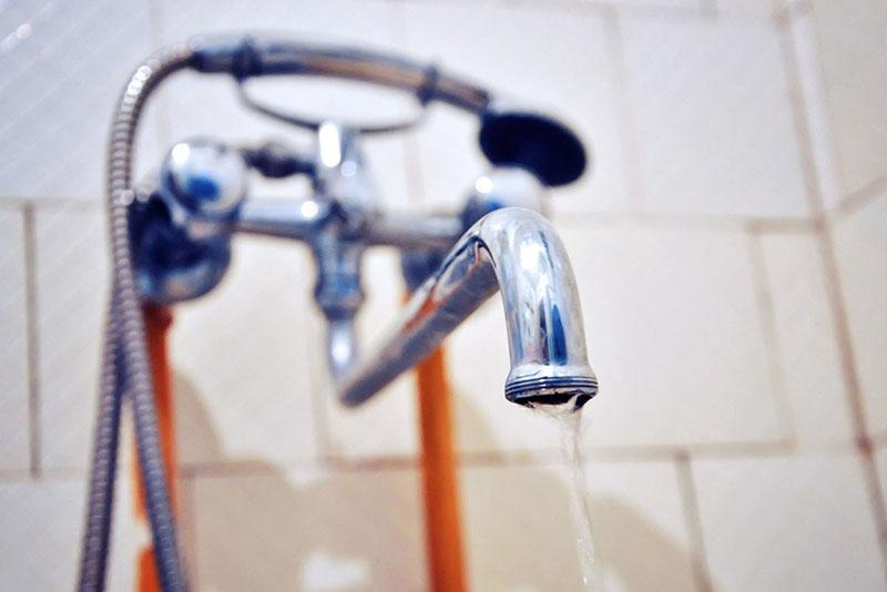У кого из смолян отключат горячую воду в августе