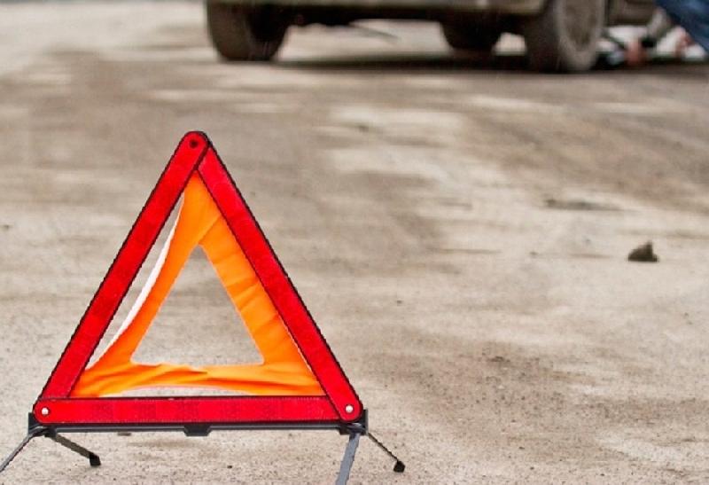 «Мальчик выбежал на дорогу из-за припаркованных авто». В Смоленской области под колеса «ВАЗа» попал 7-летний ребенок