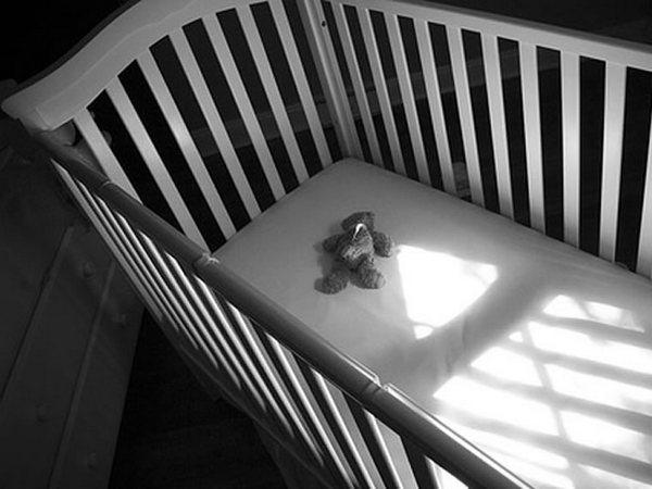 Следователи проверяют обстоятельства смерти младенца в Смоленске