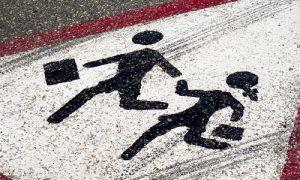 В Смоленской области водитель легковушки сбил ребенка на пешеходном переходе