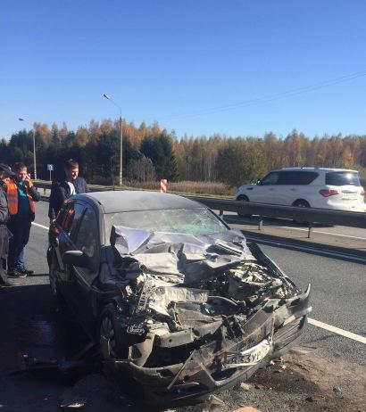 «Шесть человек пострадали». На трассе М1 в Смоленской области Opel врезался в фуру
