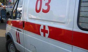 В Смоленской области женщина, шедшая по дороге, попала под колеса микроавтобуса