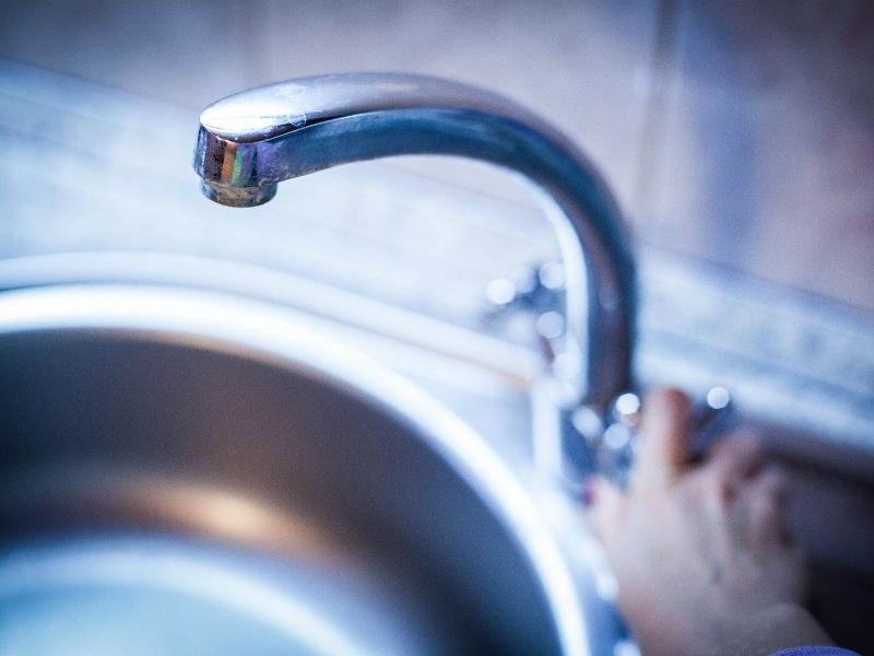 В Смоленске из-за аварии жителям 10 улиц отключат холодную воду