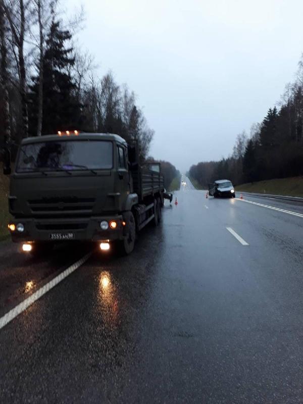 Пять человек пострадали в ДТП в Смоленской области на трассе М1