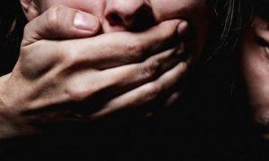 В центре Смоленска мужчина пытался изнасиловать девушку